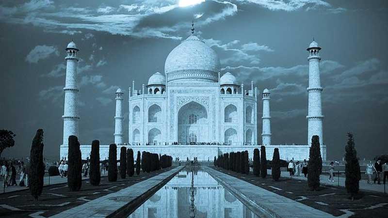 Taj Mahal Tour From Mumbai